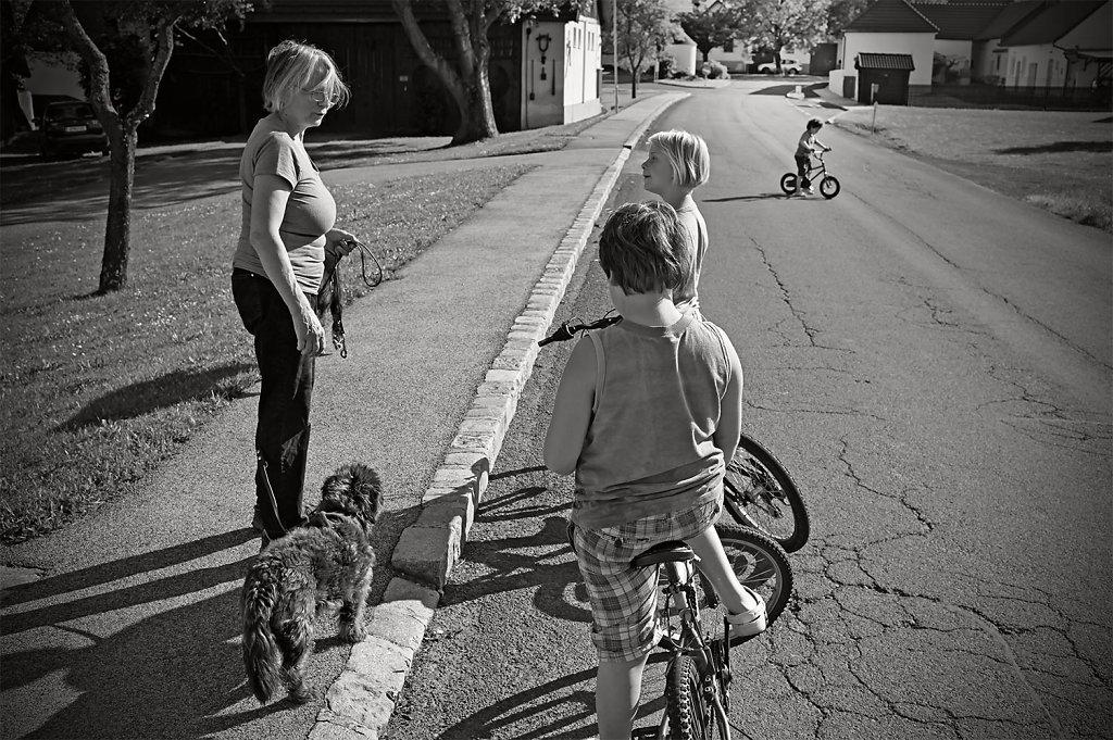 Frau-mit-Kind-und-Tier-10.jpg
